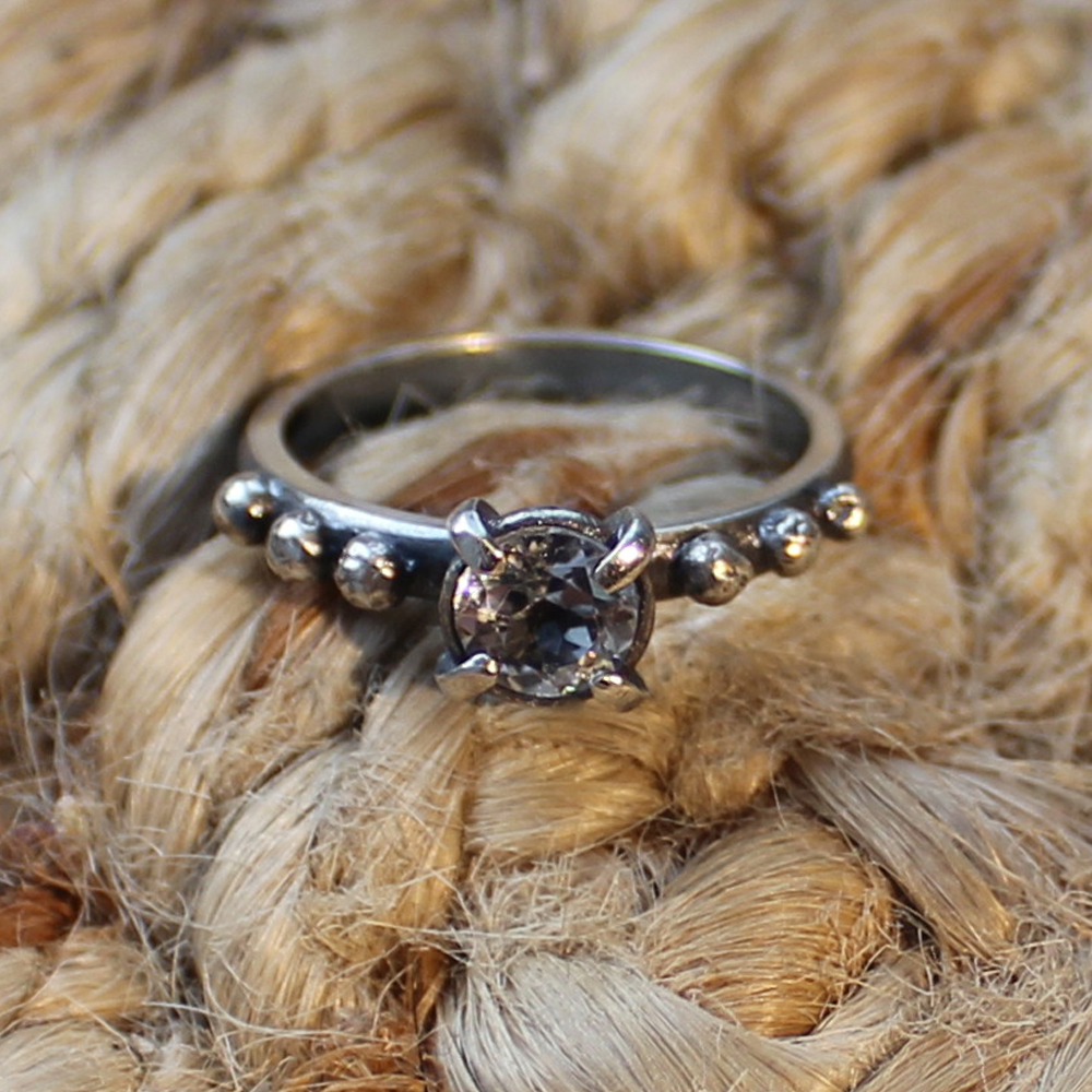 Multi Granulate ring with topaz