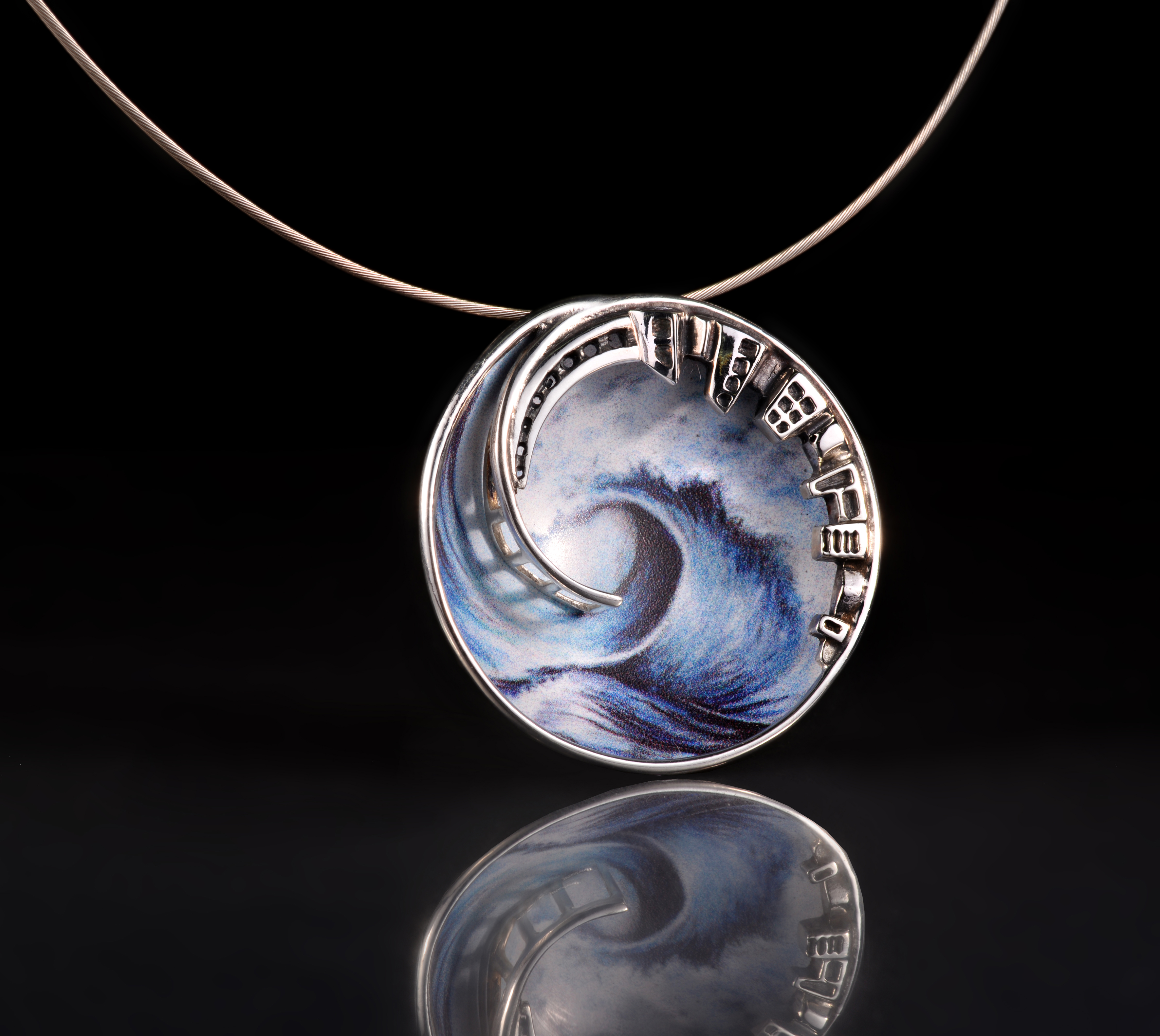 Between city and nature Pendant