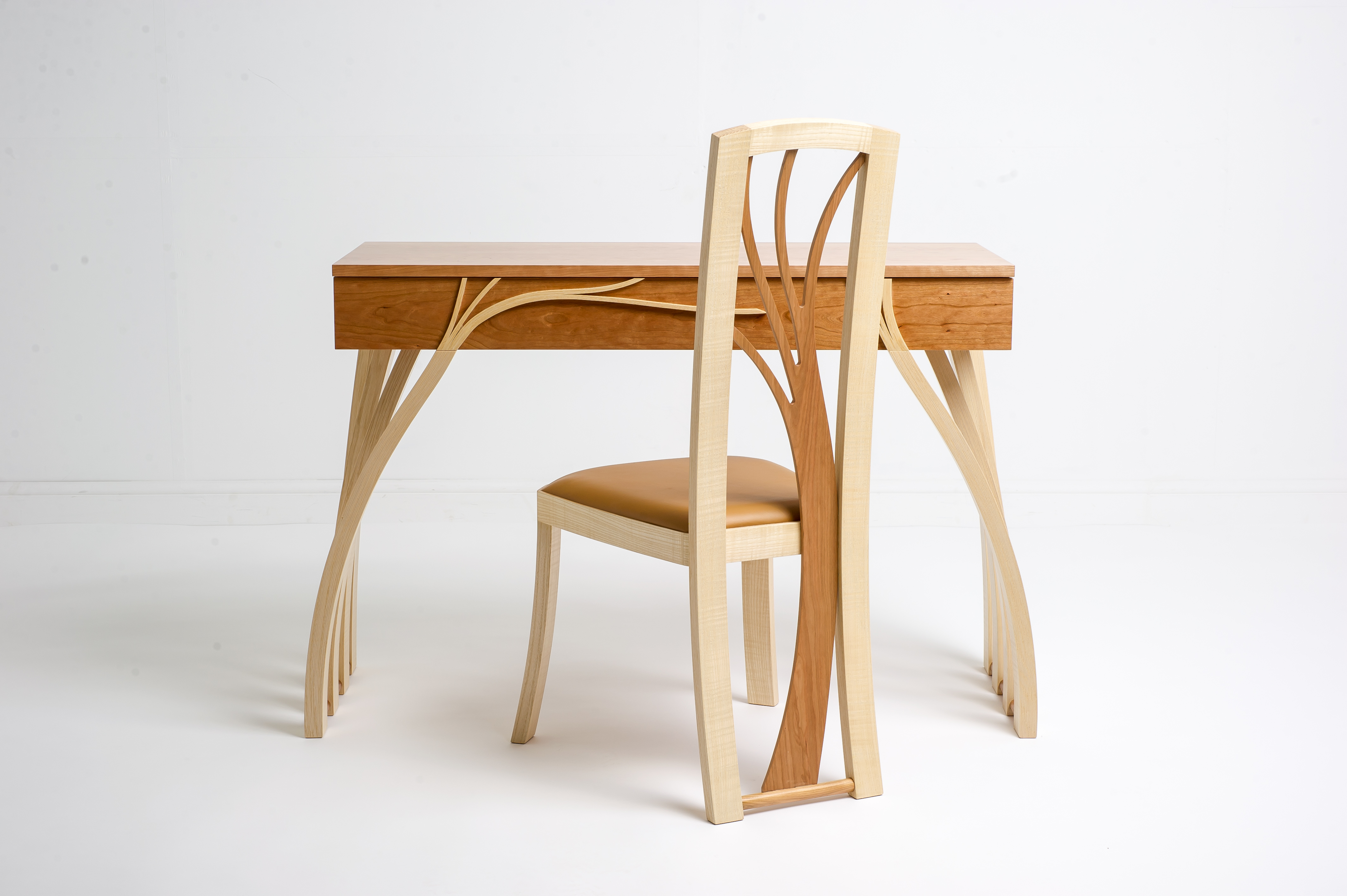 Grizedale table and chair
